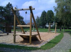 tyrolienne de jardin structure en bois