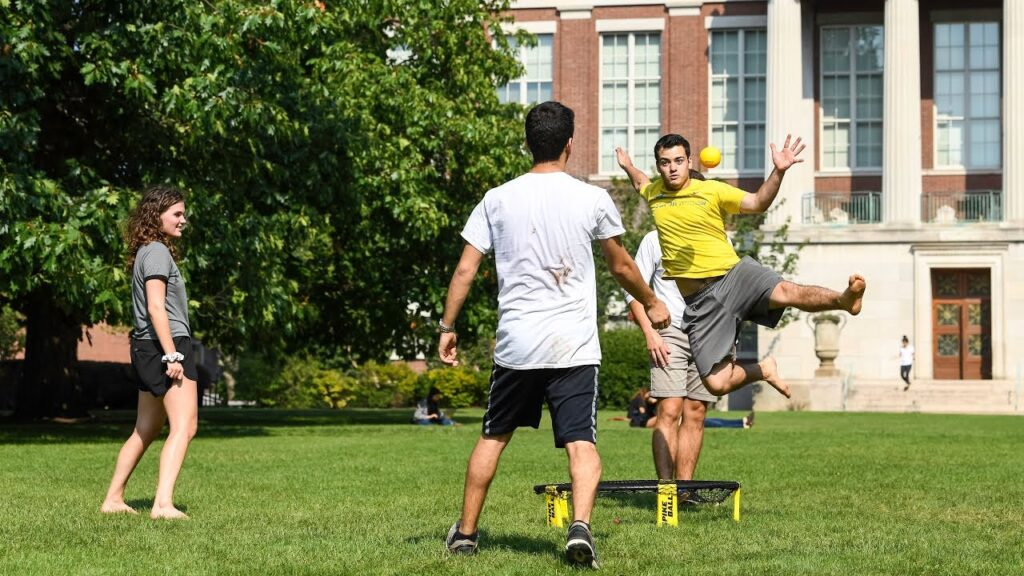 partie de Spikeball