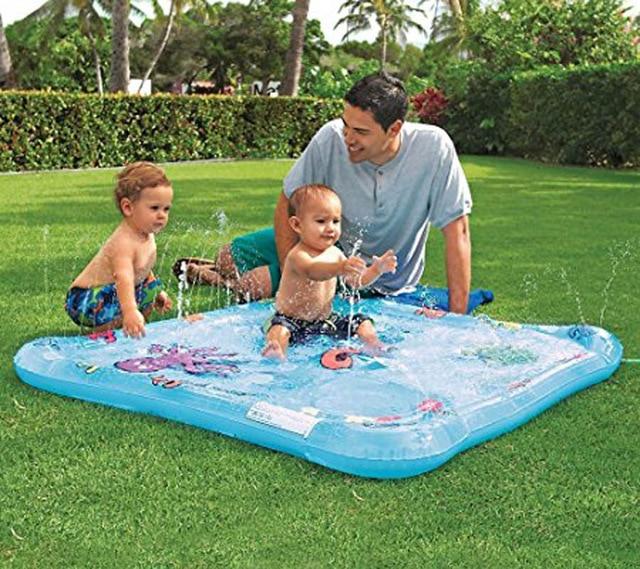 tapis jet d'eau pour bébé