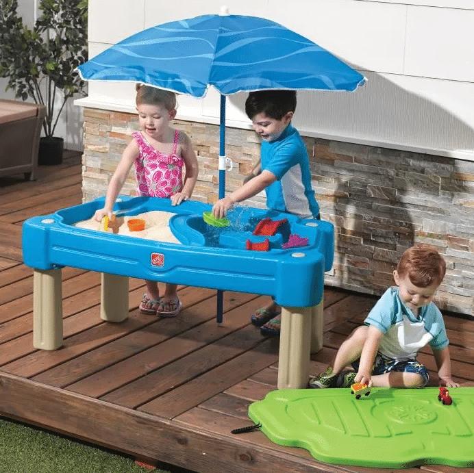 table activité sable et eau avec parasol